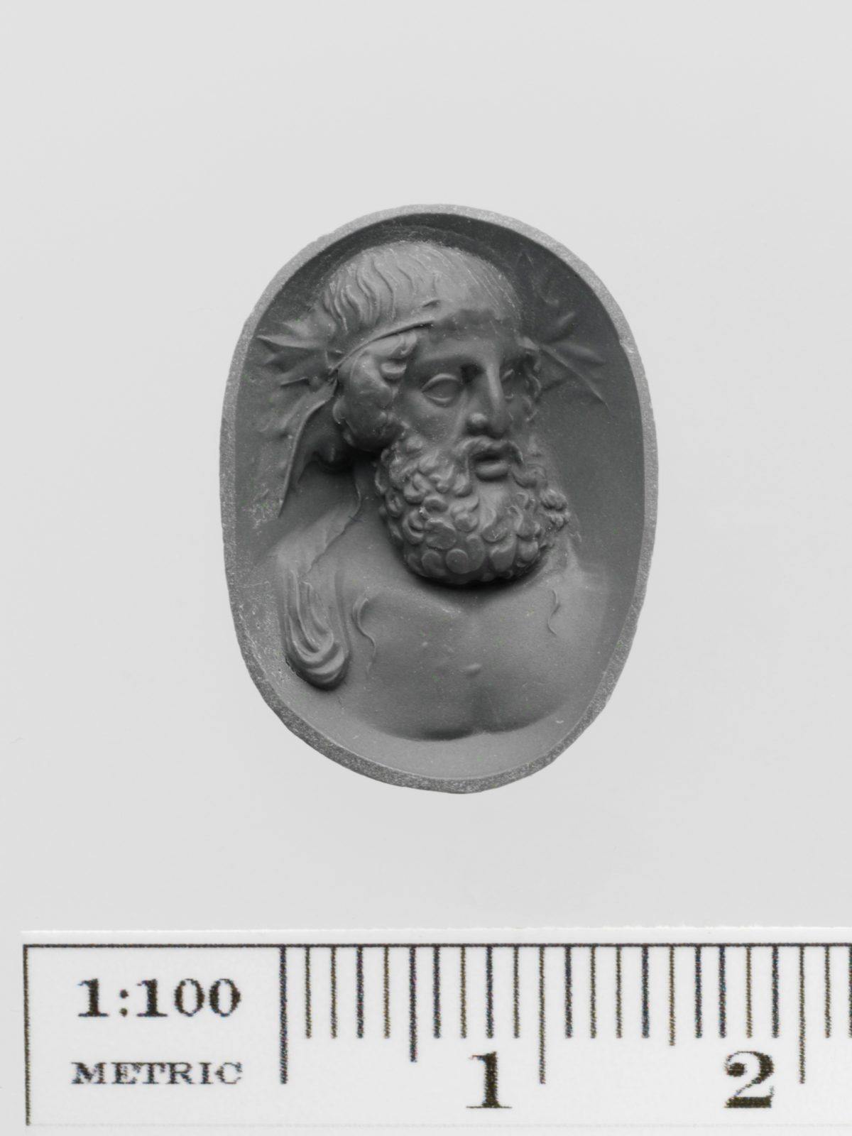 Amethyst ring stone with a bust of Dionysos