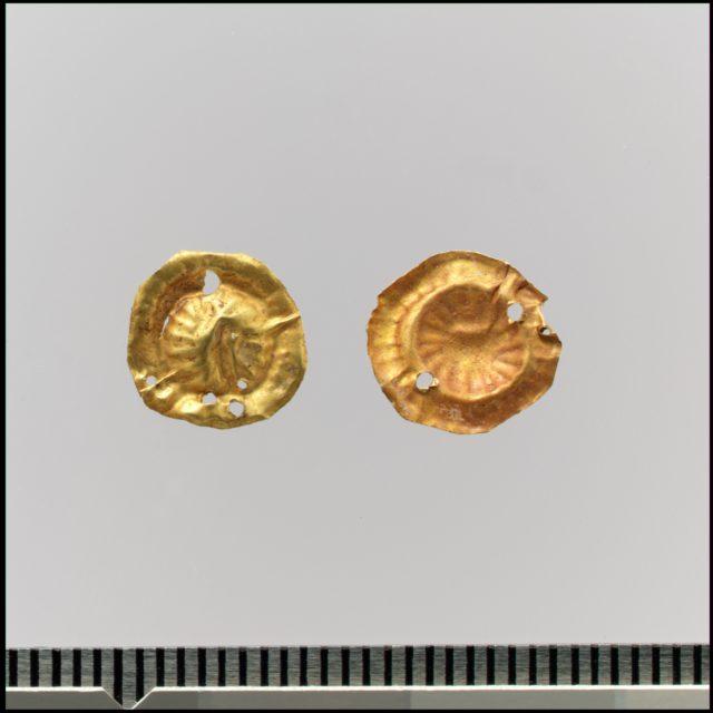 Bead ornaments, circular, 37
