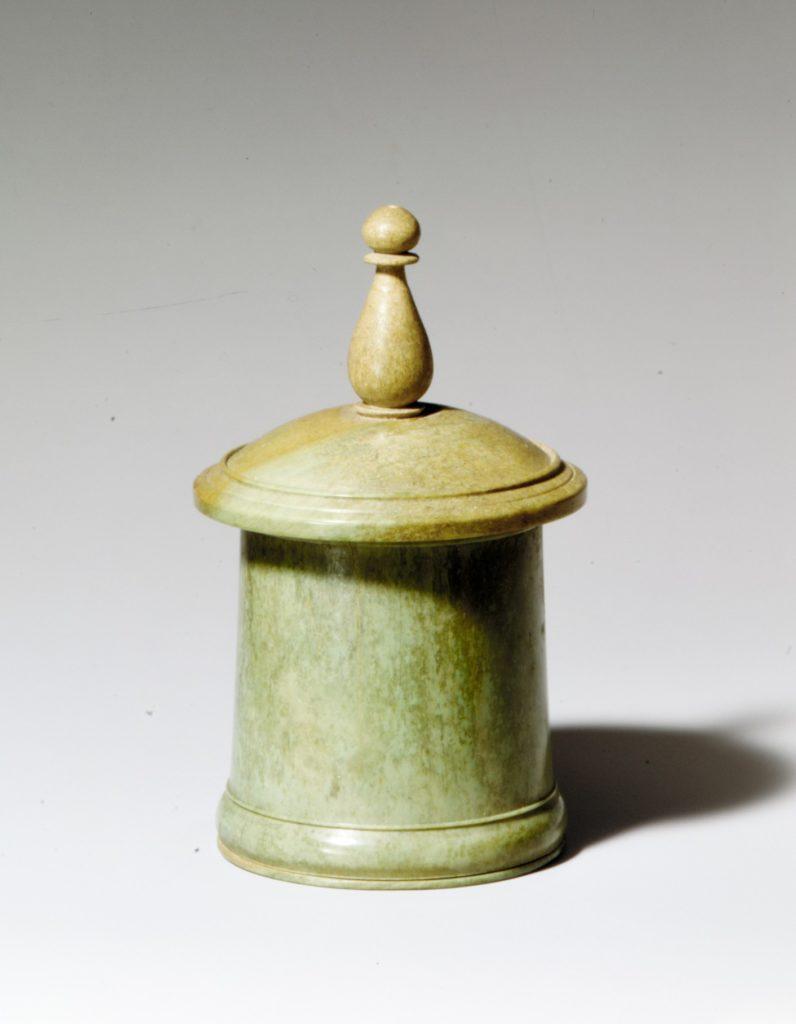 Bone pyxis with lid