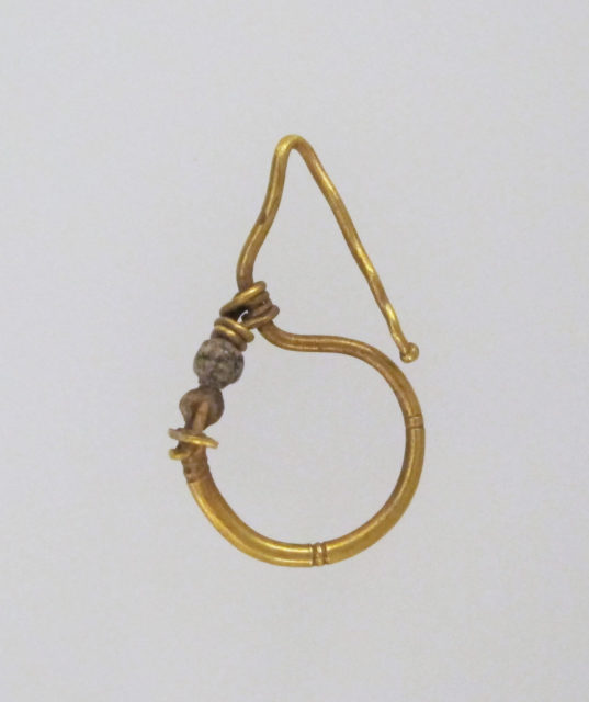Earring, delta-shaped with beads