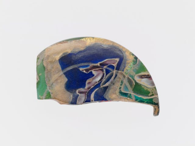Glass gold-band mosaic lid fragment