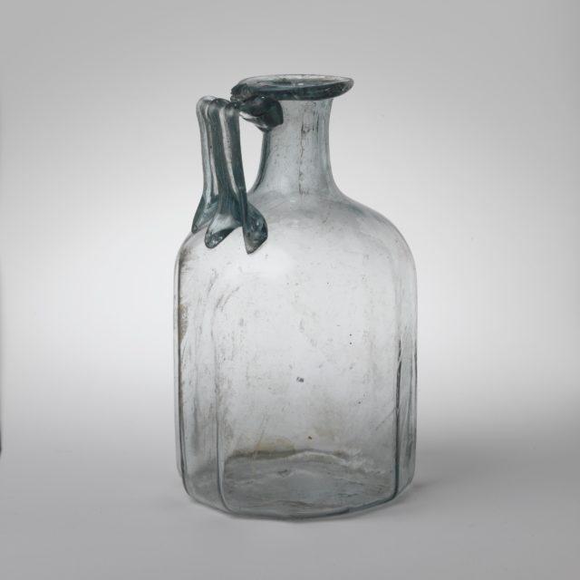 Glass polygonal jug
