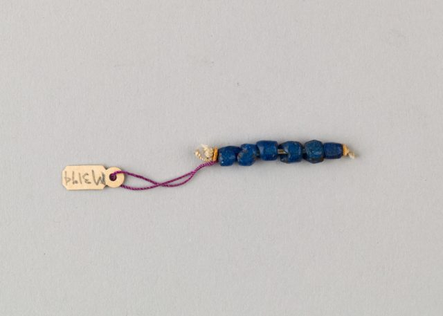 String of 6 beads