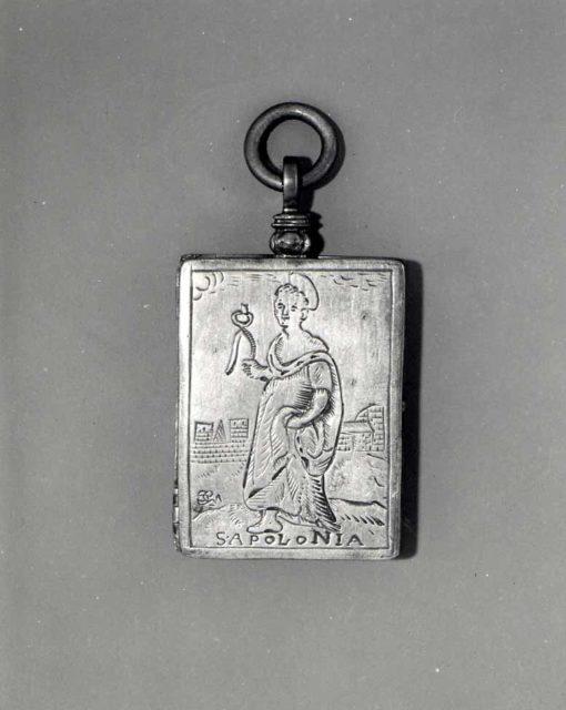 Devotional diptych pendant