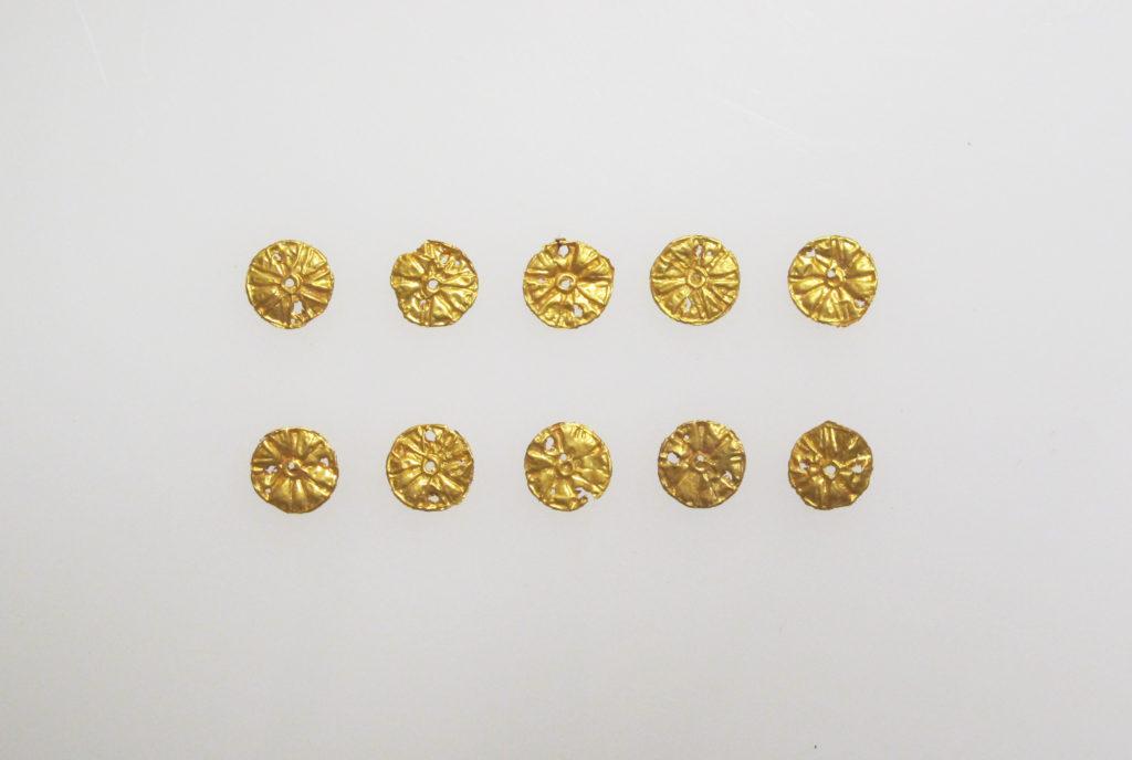 Bead ornaments, circular, 10