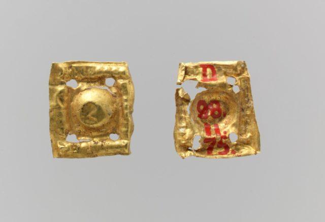 Bead ornaments, square, 7