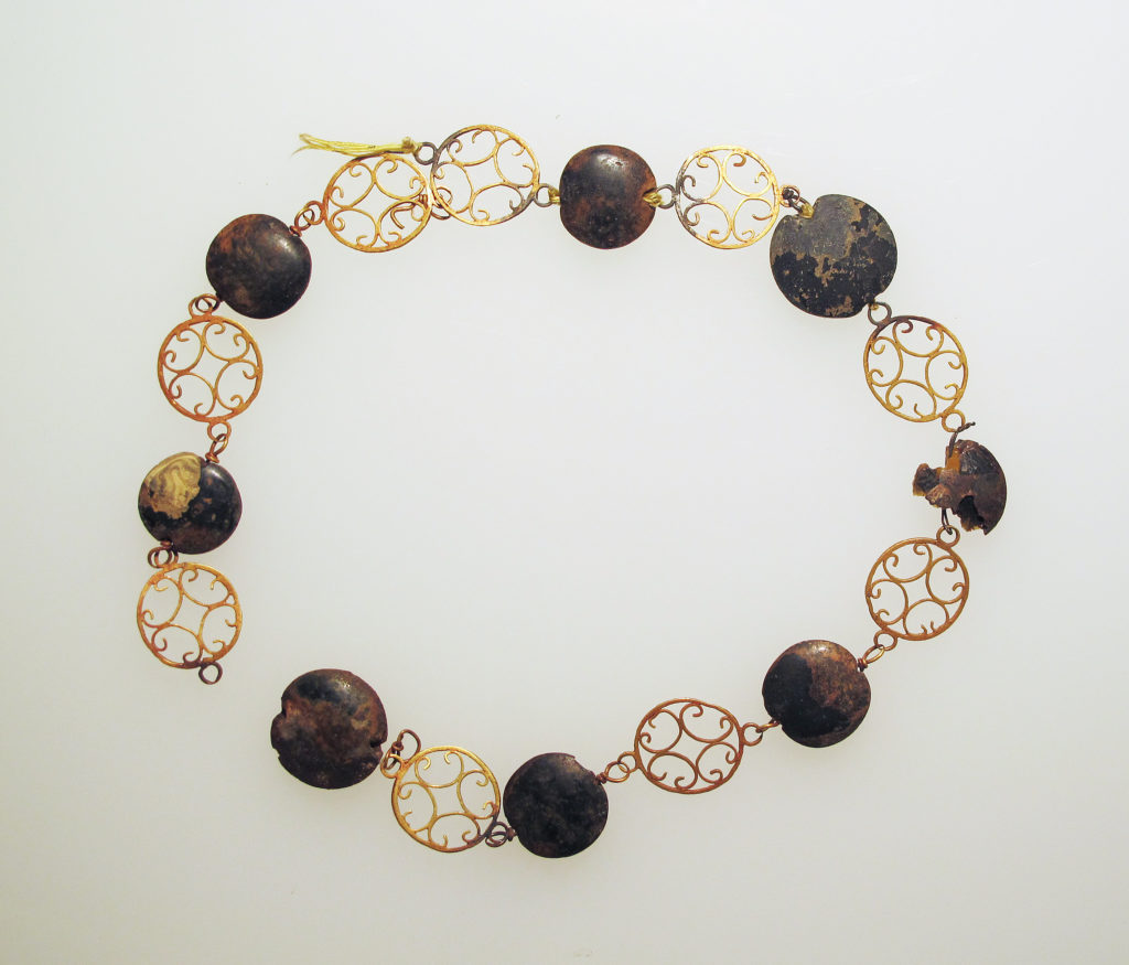 Necklace with paste beads