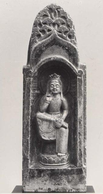 Figure of Maitreya with Two Attendants