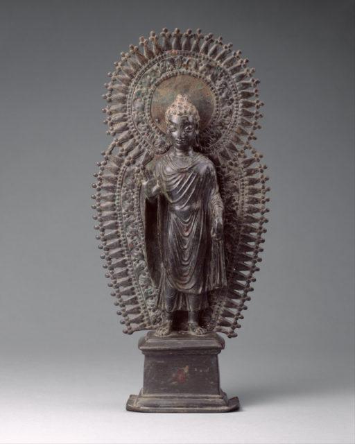 Standing Buddha with Radiate Combined Halo