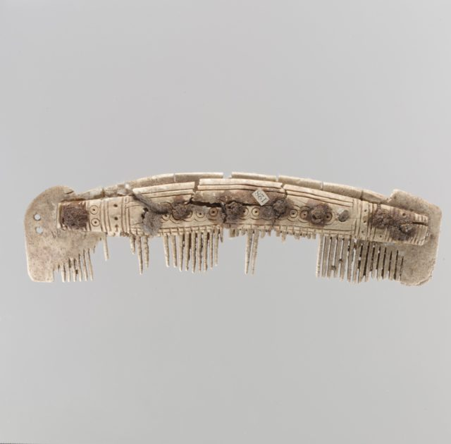 One Edged Comb
