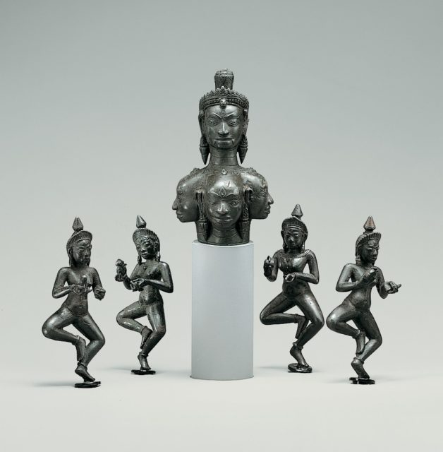 Heads of Hevajra and Four Dancing Yoginis