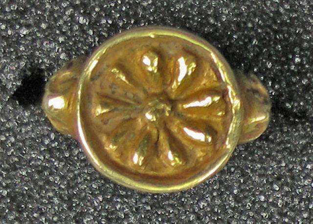 Ring, Hollow Petal Shape
