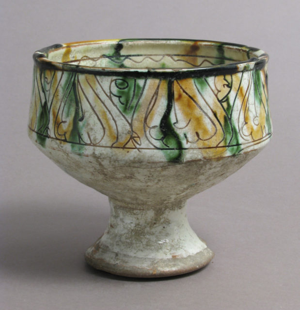 Footed cup with palmettes