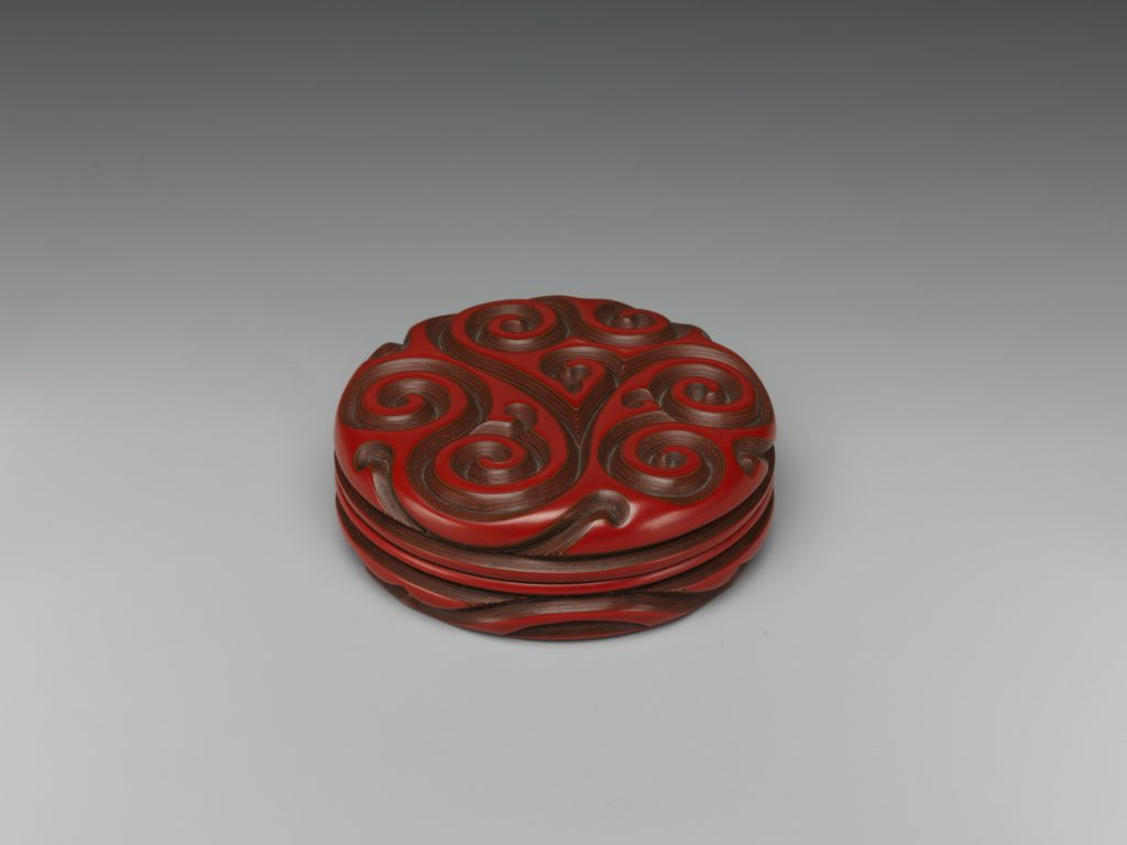 """Incense box with """"fragrant grass"""" design"""