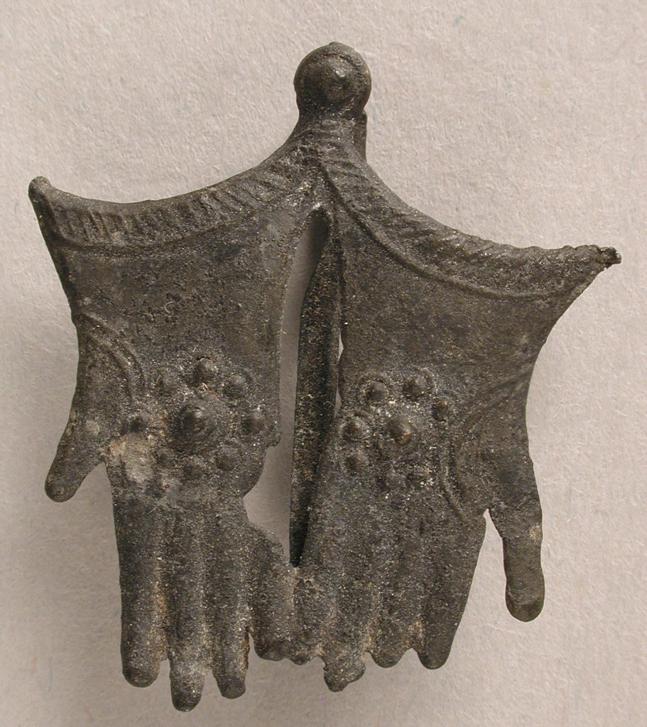 Badge with Becket's Gloves