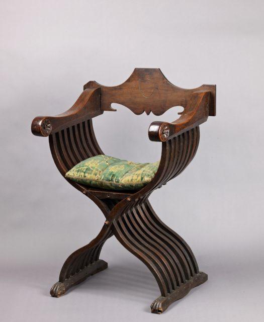 Folding armchair sedia a savonarola type picryl - Savonarola sedia ...