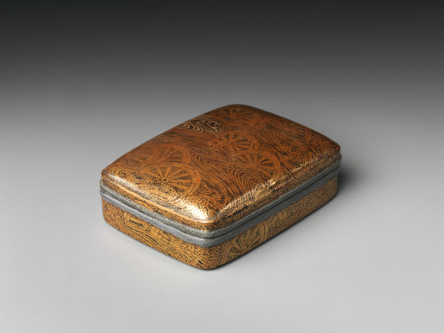 Incense Box (Kōgō) with Cartwheels Submerged in Water