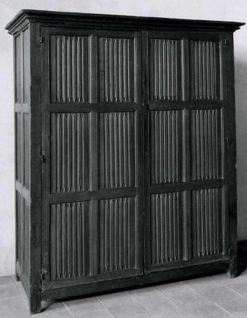Linenfold Cupboard