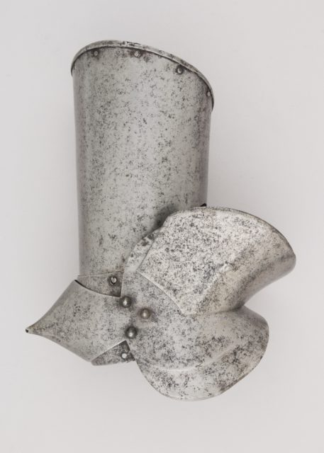 Upper Right Arm Defense (Vambrace) and Elbow Defense (Couter)