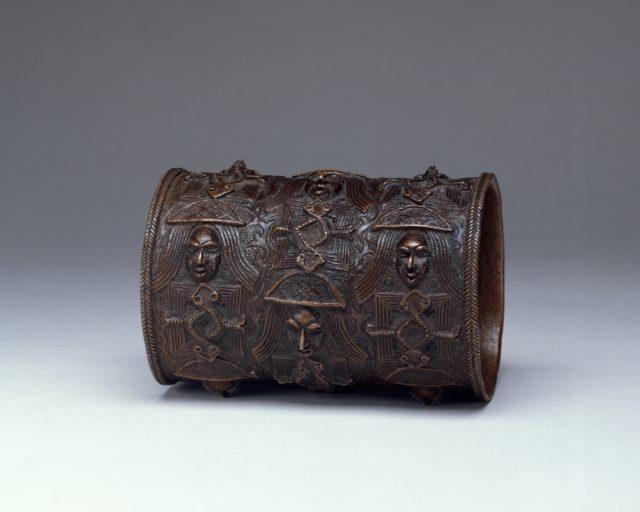 Bracelet: Portuguese Heads and Mudfish