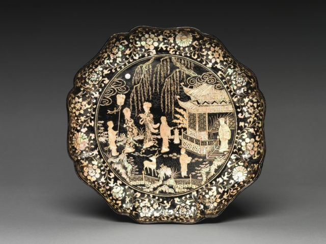 Dish with Figures in a Landscape, probably a Scene from the Romance of the West Chamber ( Xixiang Ji )