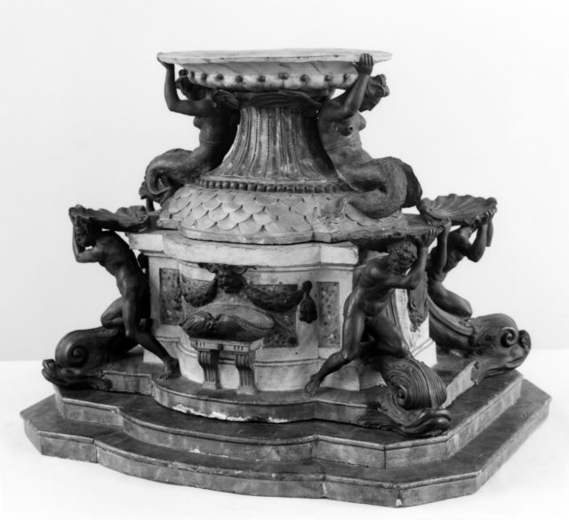 Model of a fountain