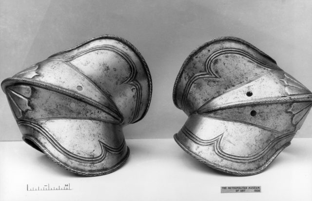 Pair of Couters (Elbow Defenses)