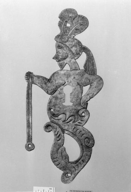 Pair of keyhole escutcheons