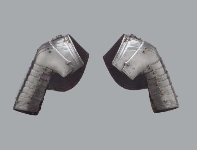 Pair of Tournament Pauldrons (Shoulder Defenses)