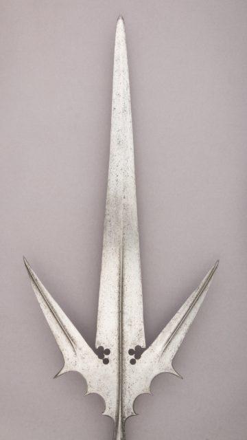 Staff Weapon