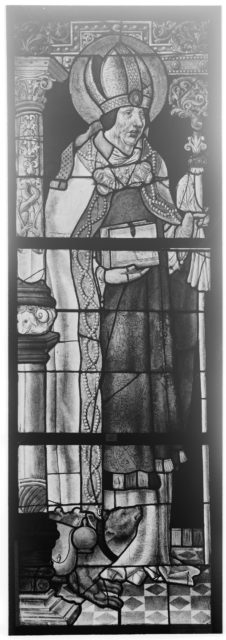 Saint Maximin, Bishop of Trèves, with a bear (one of a pair)
