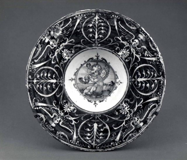 Maiolica: Plate (tondino)