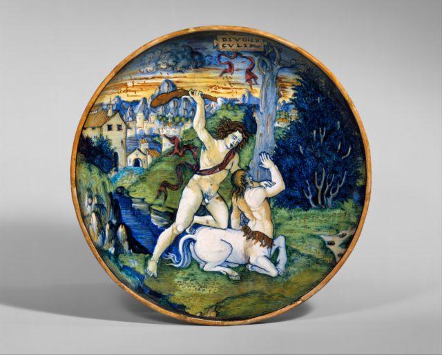 Dish (coppa): Hercules slays the centaur Nessus