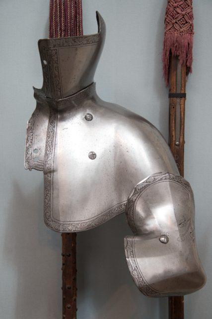Reinforcing Plates of Armor for the Tilt