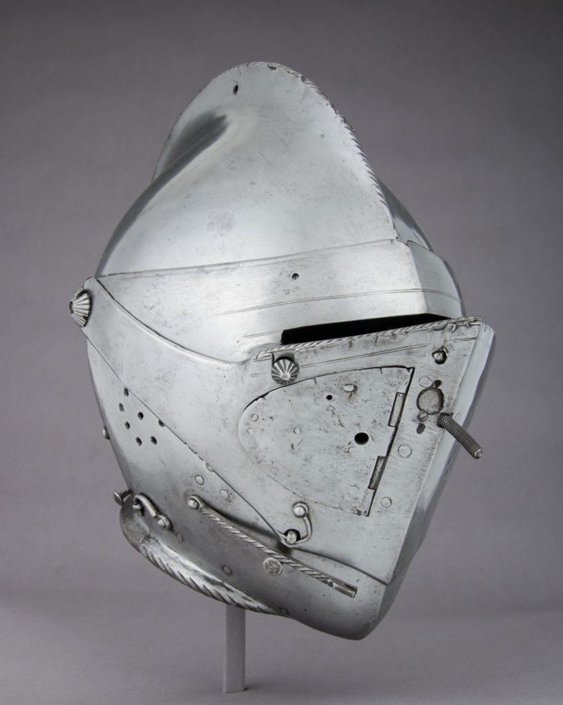 Close-Helmet for the Tilt