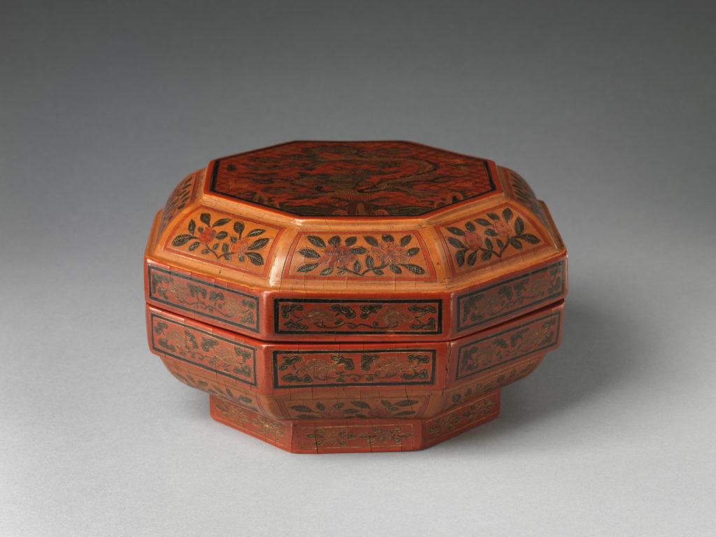 "Box with ""Dragon Pine"""
