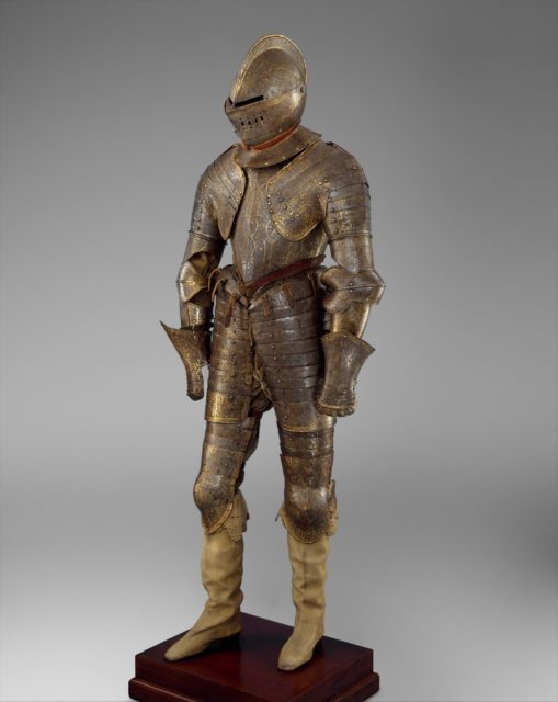 Armor for Heavy Cavalry with Matching Shaffron (Horse's Head Defense)