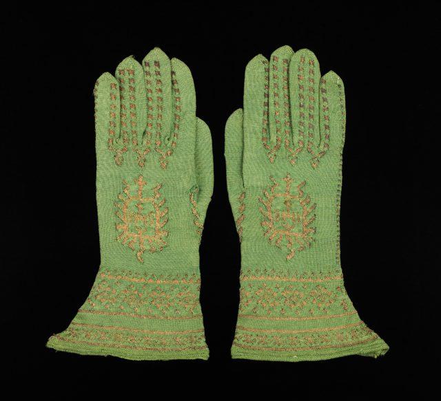 Bishop's Gloves