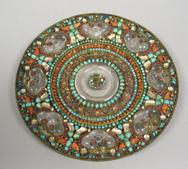 Dish for ritual offerings