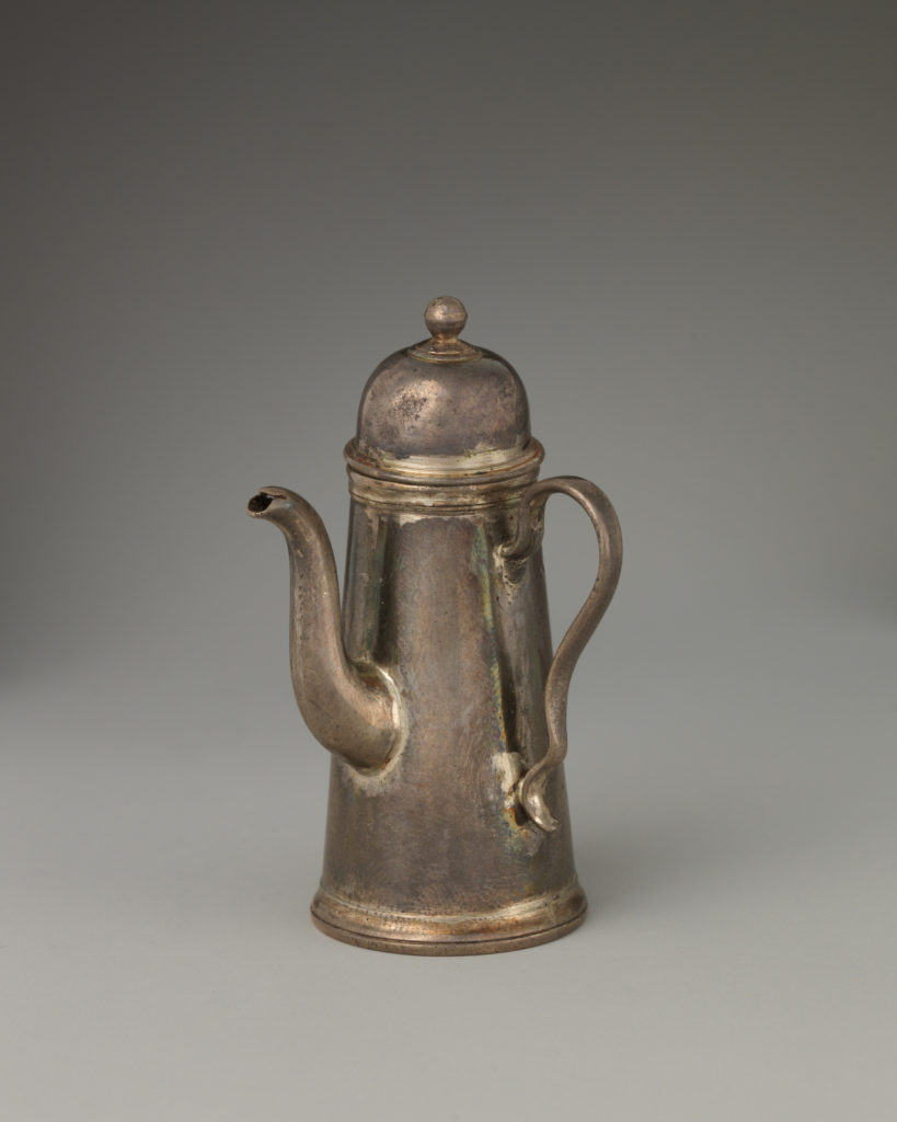 Miniature coffeepot with cover (part of a set)