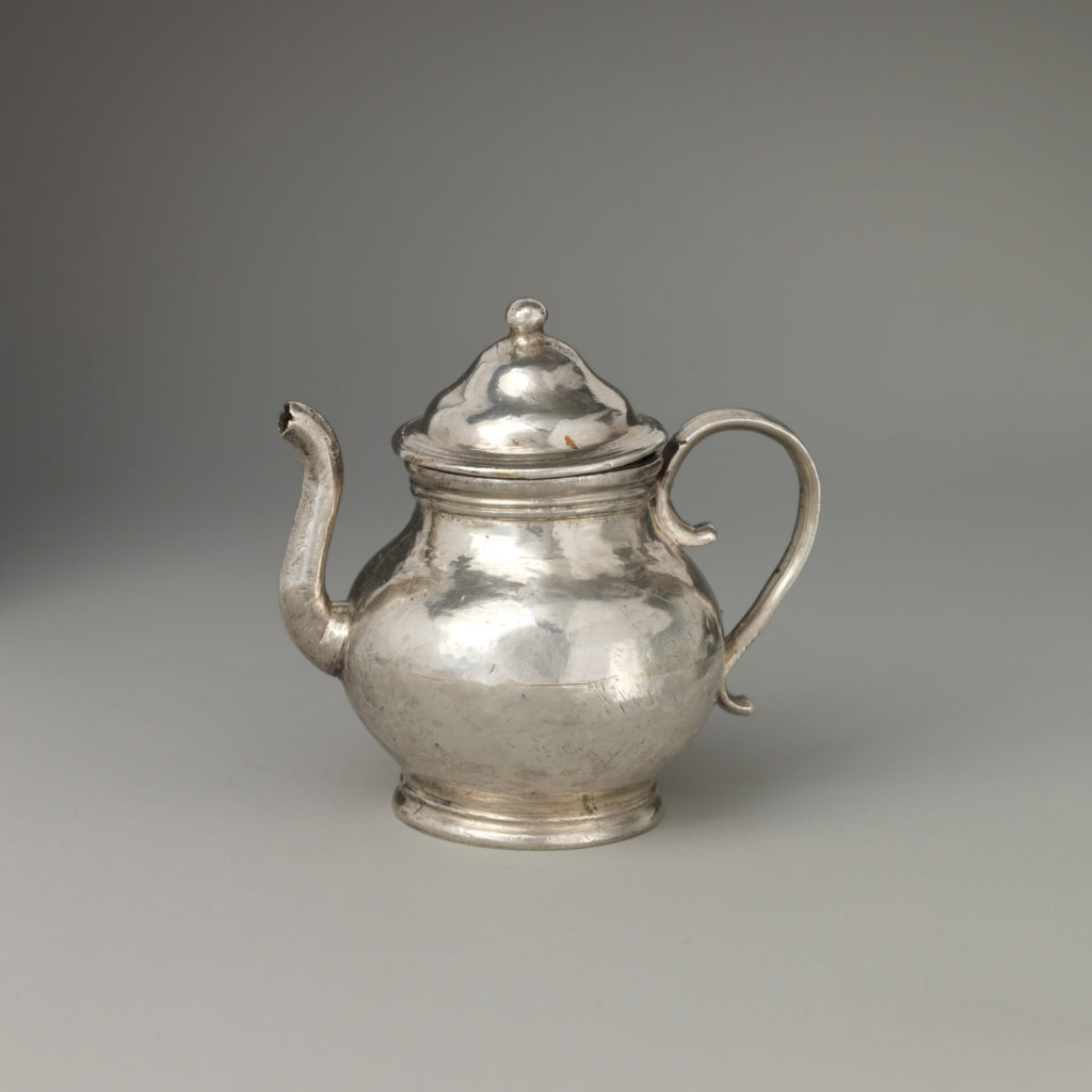 Miniature teapot with cover (part of a set)
