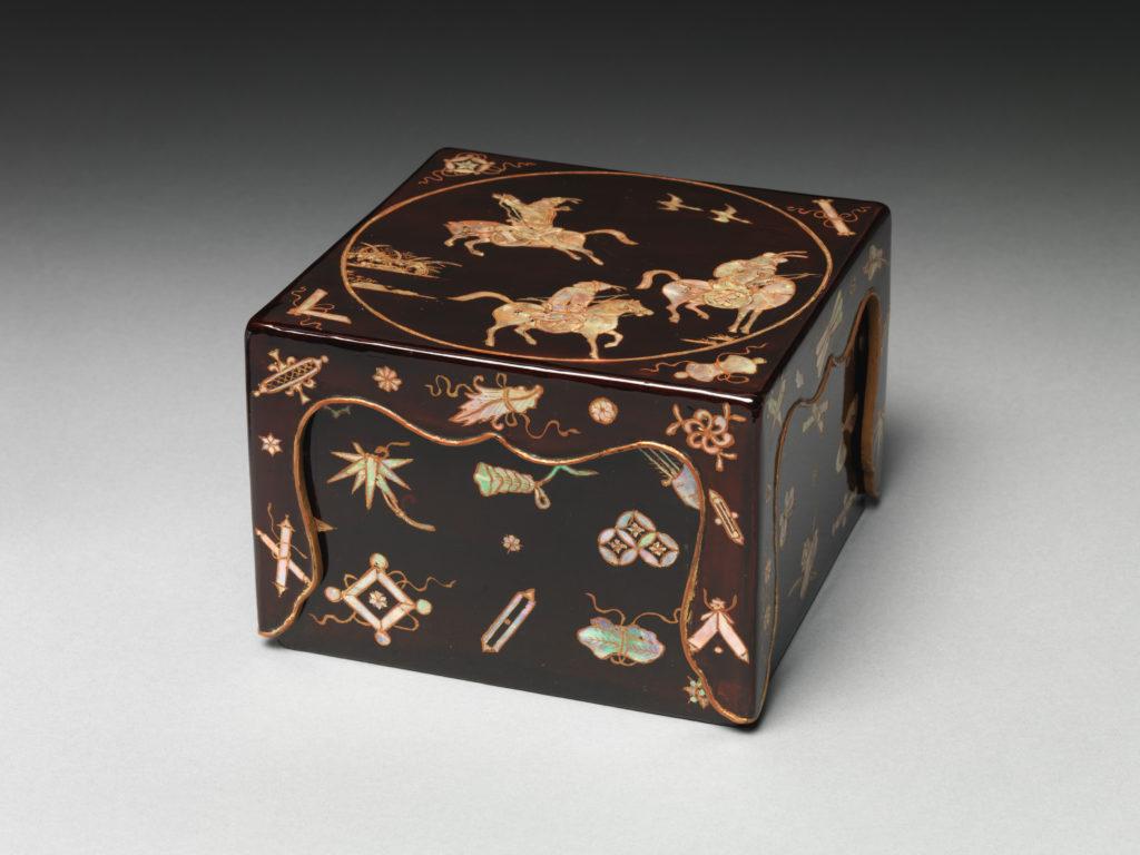 Seal Box with Hunters on Horseback
