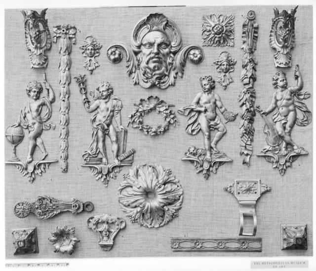 Set of three keyhole escutcheons