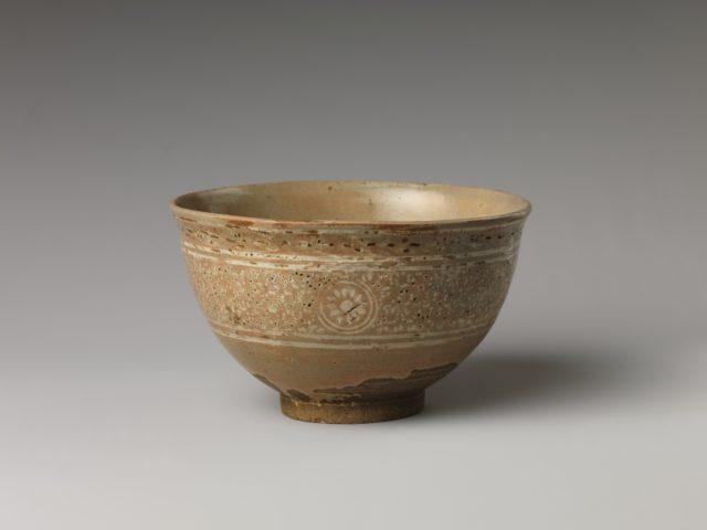 Tea Bowl with Chrysanthemum Decoration