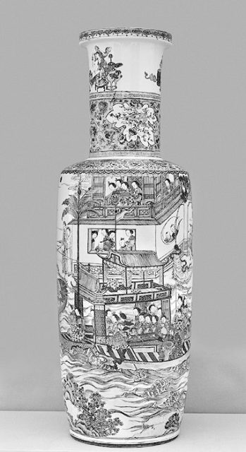 Vase with Scene from the Dragon Boat Festival