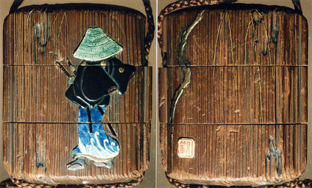Case (Inrō) with Design of Samurai with Large Hat Beside a Weeping Willow