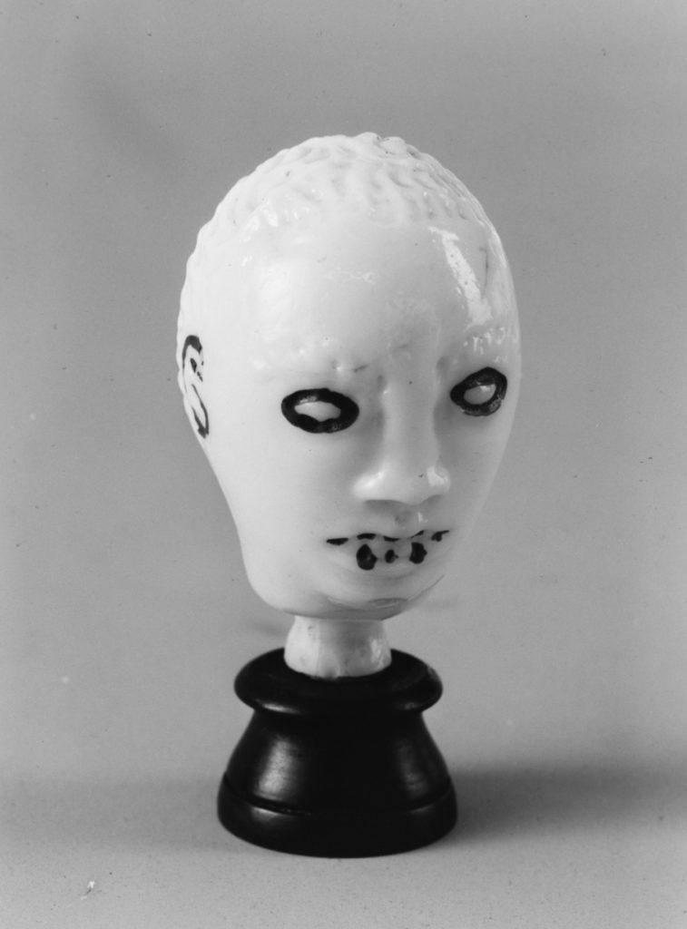 Head-shaped flacon