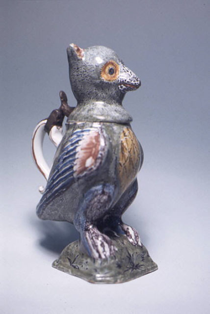 Inkwell in the form of an owl