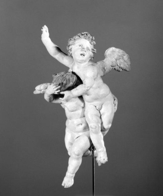 Joined pair of cherubs