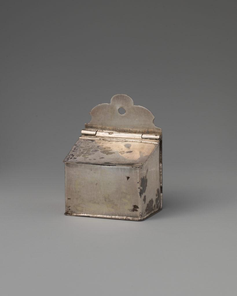 Miniature salt box